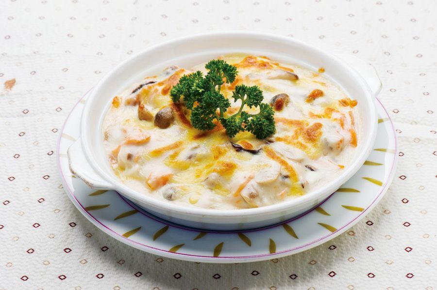 白汁鮮菌三文魚焗年糕