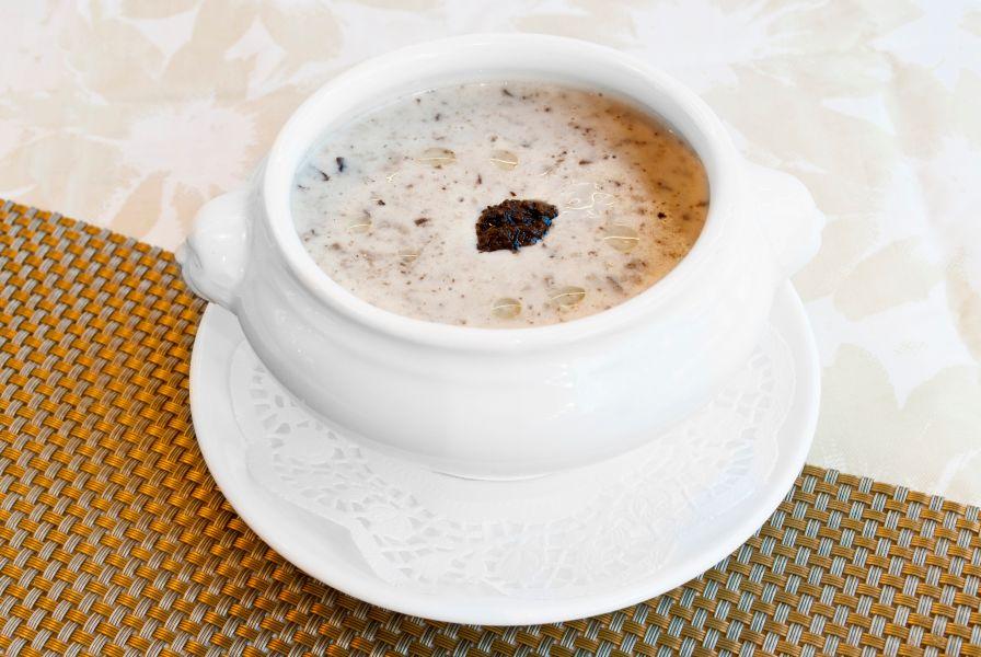 黑松茸鮮菌忌廉湯