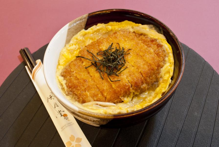 日式吉列豬扒蛋飯